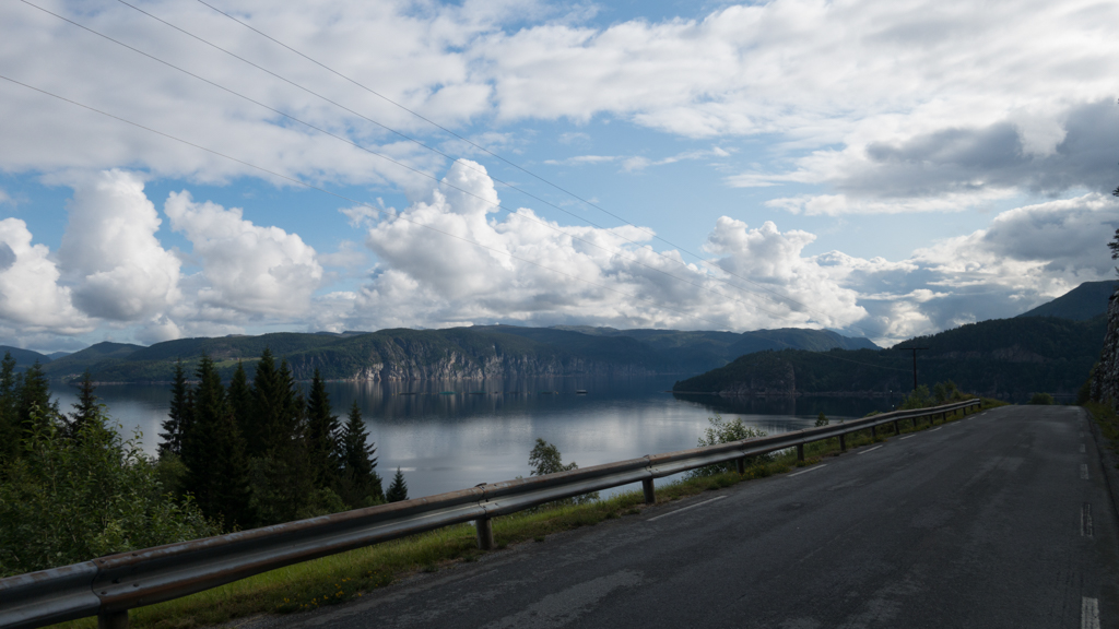 j14_norway_south_bicycle_touring_fun_04